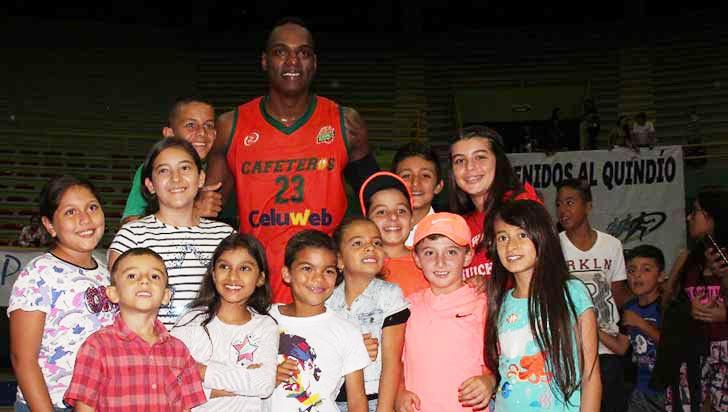 John Alexánder Vélez, feliz con el apoyo de la afición al Club Cafeteros
