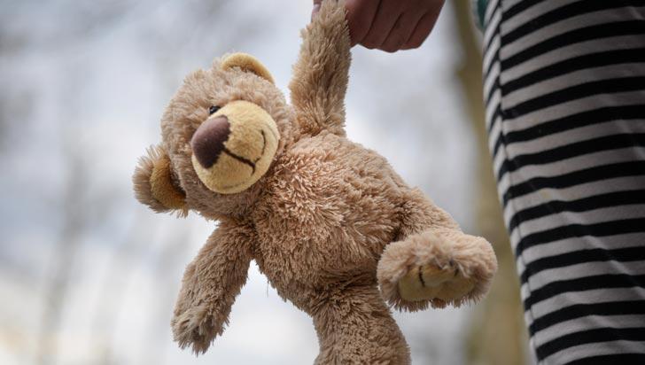 Condenan a 17 años de cárcel a hombre que abusó de su hija, la embarazó e infectó con una ETS
