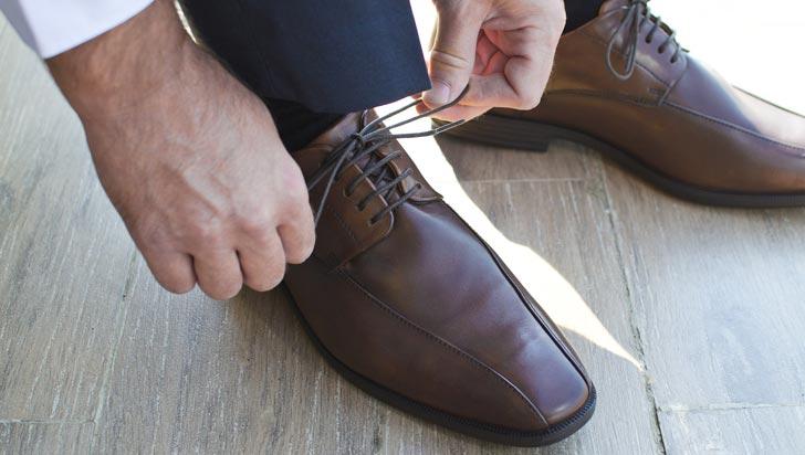 """El mito del """"zapatón"""": ¿qué dice la ciencia sobre el tamaño de los pies y el del pene?"""