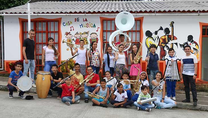 Literatura y música, alternativas para tiempo libre de niños en Buenavista