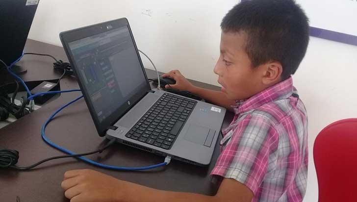 Alrededor de 200 niños afrodescendientes e indígenas aprenden de las TIC