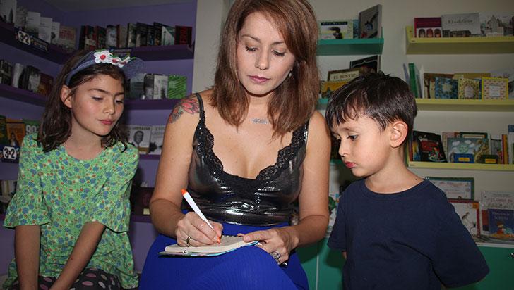 Claudia Morales abrió su Árbol de libros en el Portal del Quindío