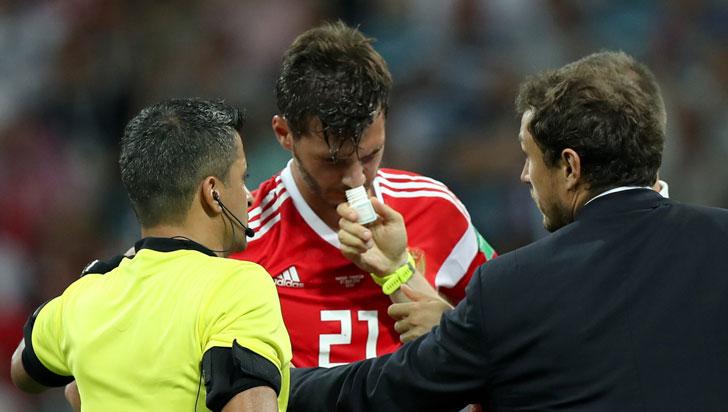 Médico de Rusia admitió que jugadores inhalaron amoníaco, pero negó que se doparan