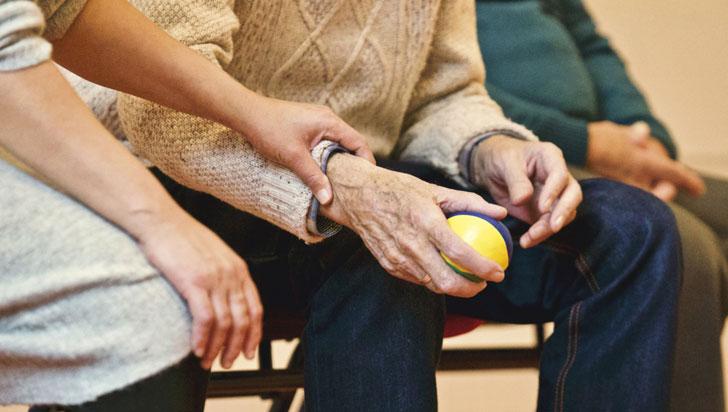 Cuatro adultos mayores están abandonados en el hospital San Juan de Dios