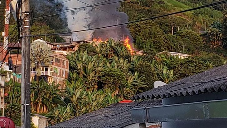 Tres casas resultaron afectadas parcialmente por incendio en Buenavista