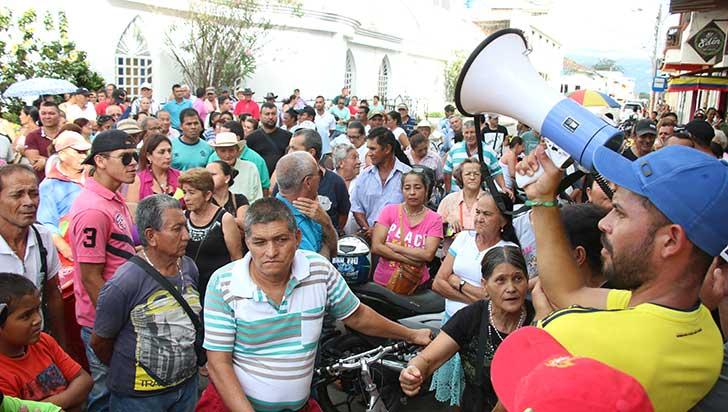 """""""Aumentos en facturas de EPQ llegan al 100%"""": concejal de La Tebaida"""