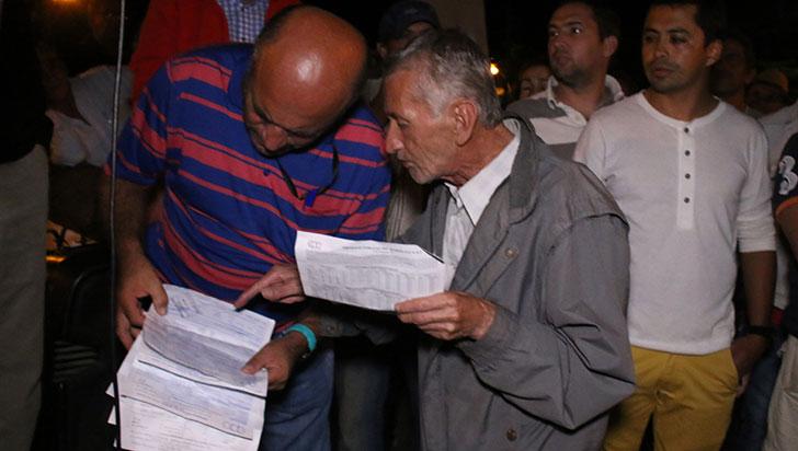 EPQ recibirá pagos parciales; líderes de municipios dicen que no hay nada concreto