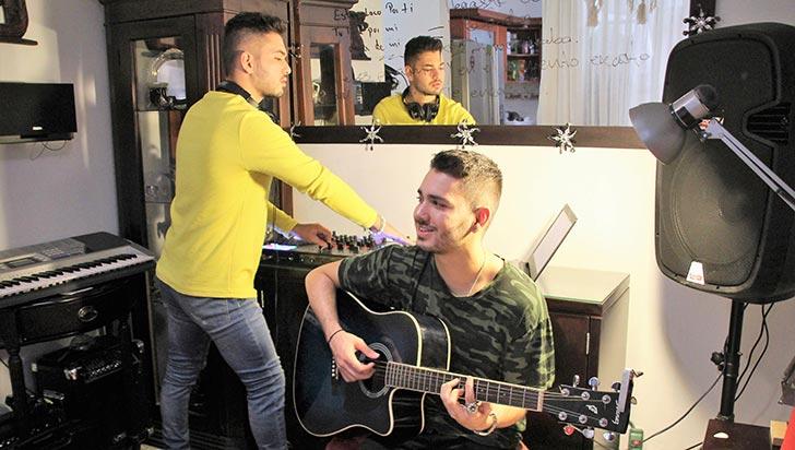Felipe y Alejandro, hermanos con el mismo gen musical