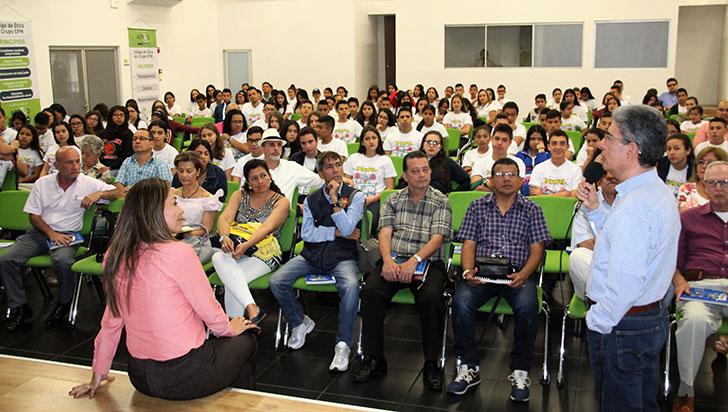 152 estudiantes del Quindío integran red de liderazgo juvenil
