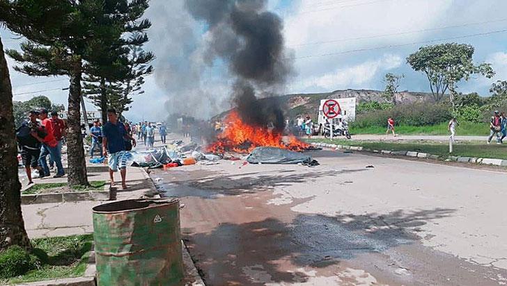 Al menos 1.200 venezolanos han abandonado Brasil tras incidentes en la frontera
