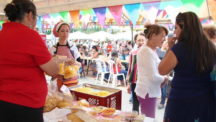 Propios y visitantes disfrutaron de la segunda versión del Festival del Maíz