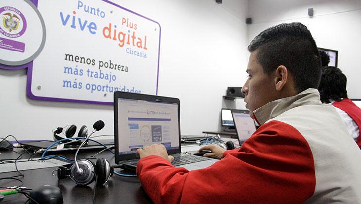 Jóvenes Programadores, estrategia para reducir brecha del desempleo en Armenia