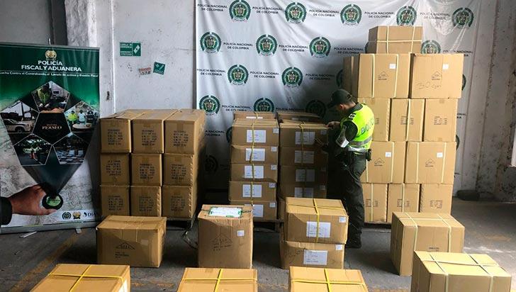 Cayó gigantesco cargamento de juguetes de contrabando en la vía La Tebaida - La Paila