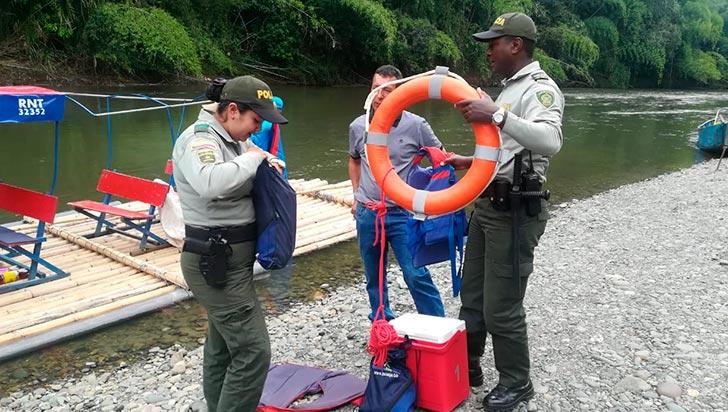 30% aumentó flujo de turistas a balsaje; Policía de Turismo adelanta controles