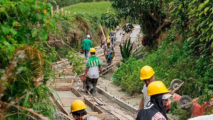 Construcción de placas huellas en Génova y Pijao va en un 50%, informó Infraestructura