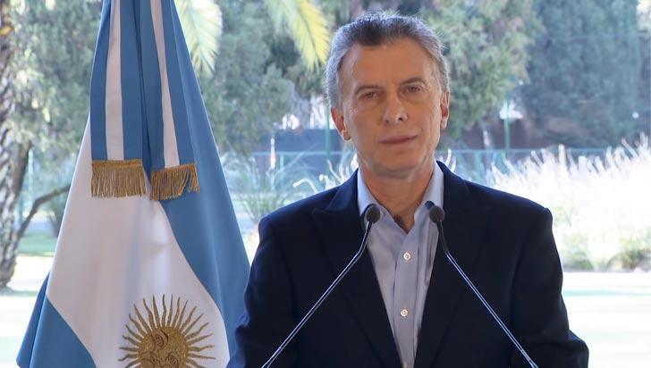 Ante incertidumbre y falta de confianza en mercados, Macri anunció adelanto de fondos del FMI