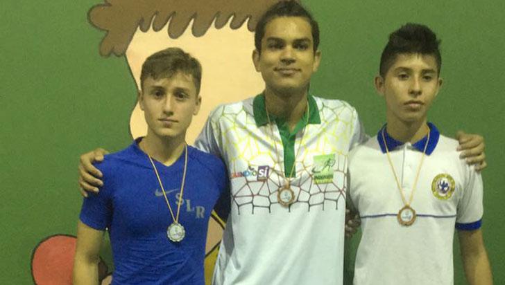 San Luis Rey celebró pase a nacional intercolegiado en tenis de mesa