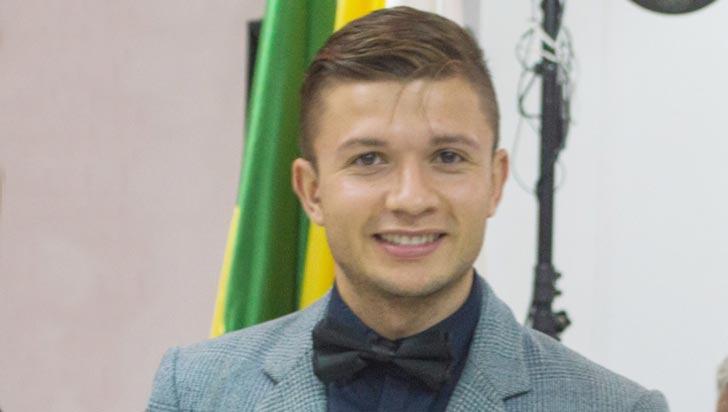 Quindiano que expone en Polonia, galardonado en los premios Toyp
