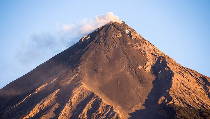 Volcán de Fuego de Guatemala registró 26 explosiones este domingo