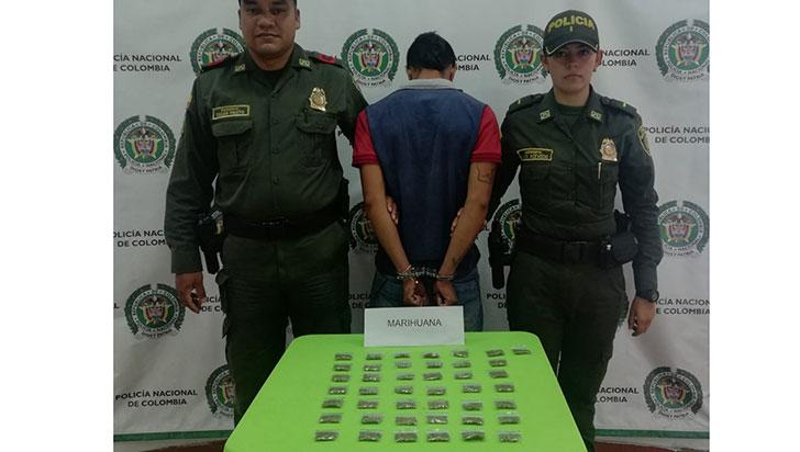 Hombre de 22 años fue sorprendido en flagrancia con 44 dosis de alucinógenos
