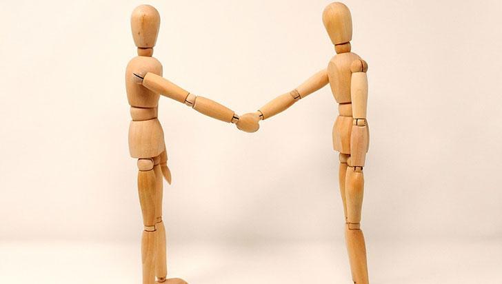 Ayudar a alguien de manera altruista produce efectos positivos en el cerebro