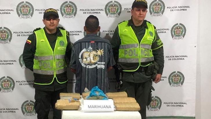 Pasajero de bus llevaba cinco kilos de marihuana en su equipaje