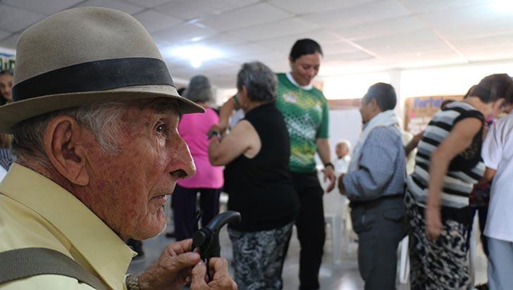 1.783 adultos mayores atiende la gobernación en 2018