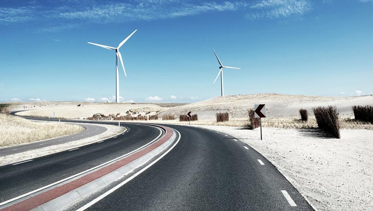 Granjas eólicas y solares incrementan las lluvias en el desierto, según estudio