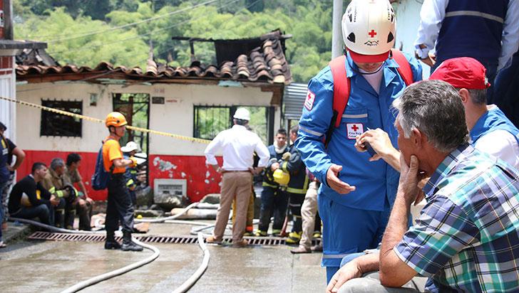 Mujer falleció en medio un incendio estructural en Montenegro
