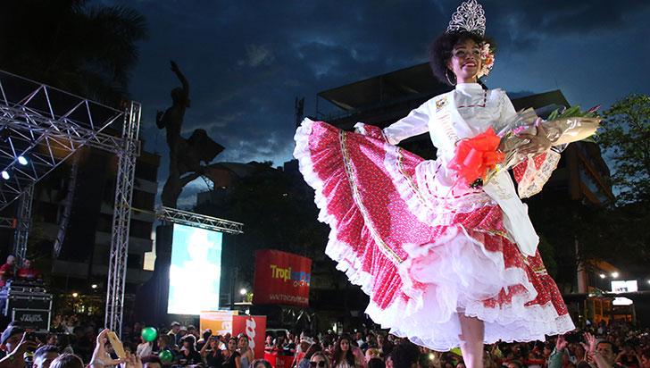 Tatiana Carreño, de la comuna 7, reina Chapolera 2018 - 2019