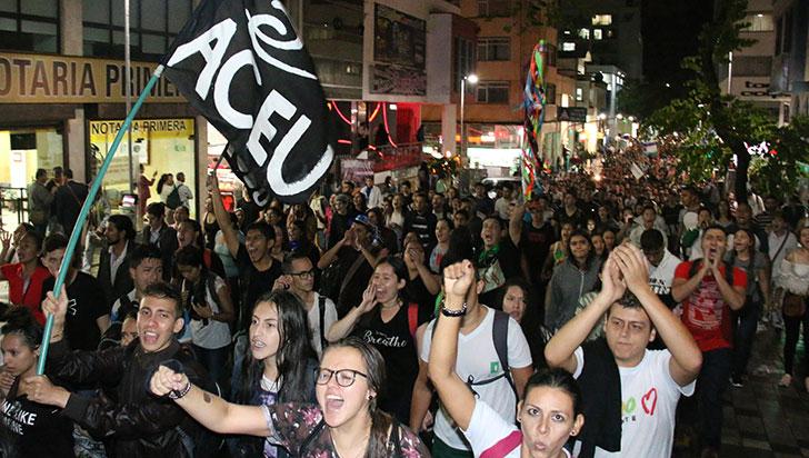Más de 3.000 personas marcharon por la educación en Armenia