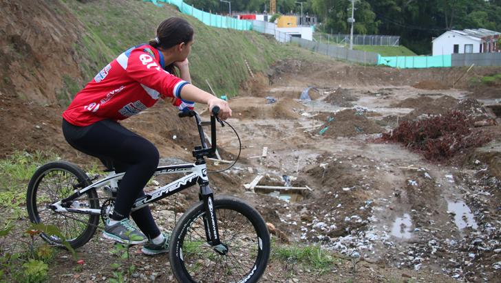 Incompleto estudio de suelo atrasó terminación de la pista de bicicrós