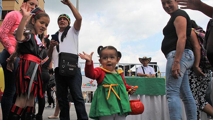 Las mejores postales de los niños que disfrutaron de su día en la plaza de Bolívar de Armenia