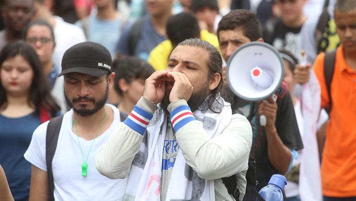 Docentes y estudiantes suspendieron diálogo con gobierno nacional