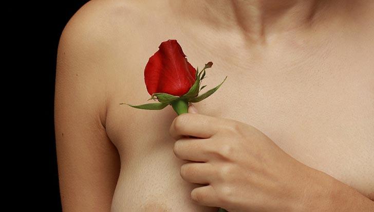 Sobrevivientes de cáncer de mama deben recibir atención terapéutica adicional