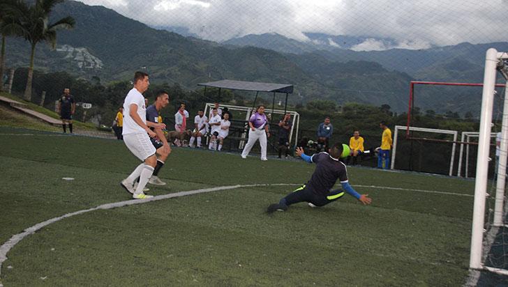 Pipeluches y Sufarma, a defender lideratos en la I Copa de Fútbol de Salón