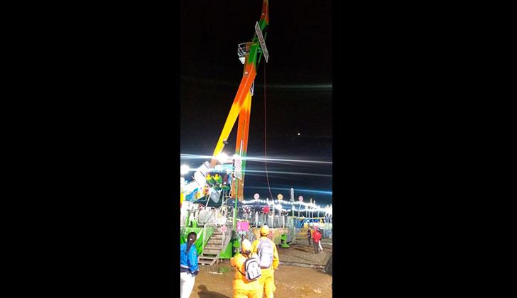 Dos personas rescatadas tras incidente en una de las atracciones de la ciudad de hierro