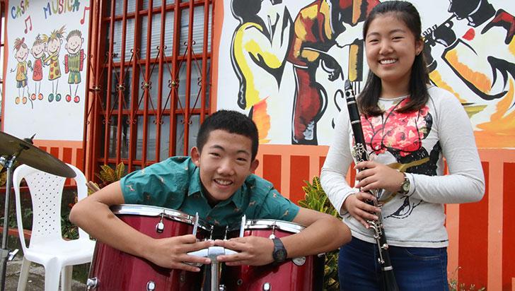 Talentosos jóvenes coreanos participan de la música quindiana