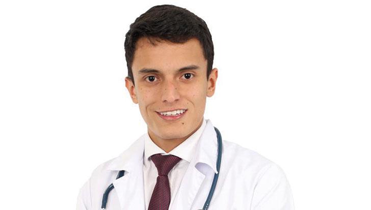 Manuel Delgado logró su sueño de ser médico con una beca