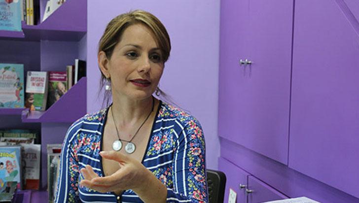 Periodista Claudia Morales y su hija fueron asaltadas en zona rural de Circasia