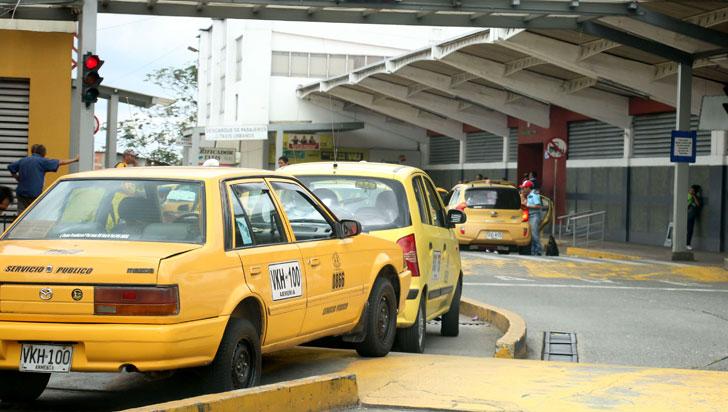 Alcaldía levantó pico y placa para los taxis el 31 de diciembre