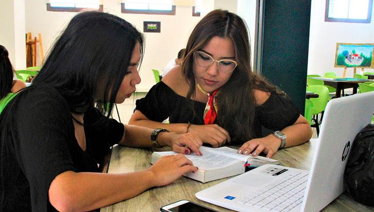 En el Quindío, dos víctimas del conflicto estudiarán gratis