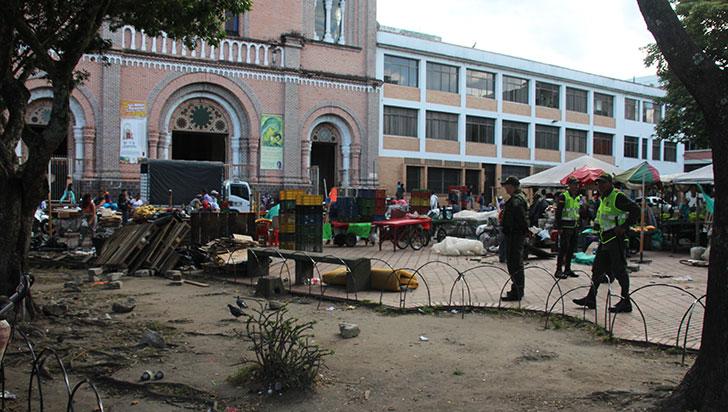 ¿Qué pasará en la plaza de las Banderas finalizado el traslado de los vendedores?