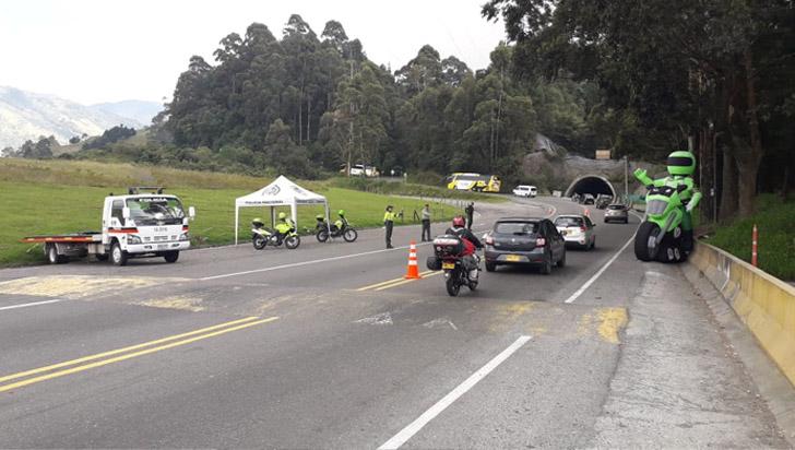 Policía de Carreteras del Quindío hace recomendaciones a los viajeros que transitan La Línea