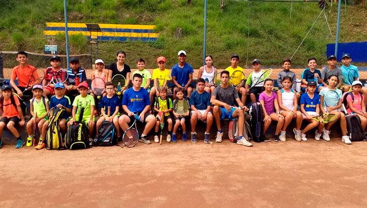Escuela de tenis del Bolo  Club retomó entrenamientos