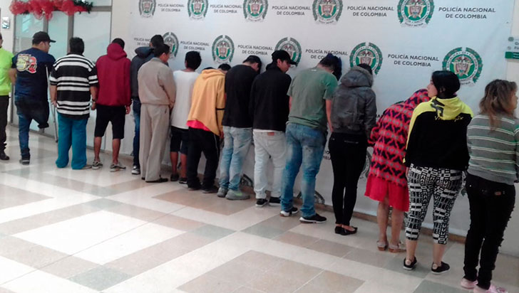 Detuvieron a 14 presuntos miembros de 'Los Primos'