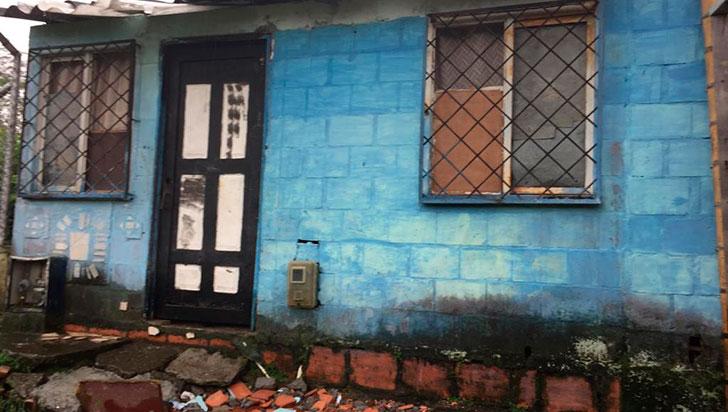 """Mujer falleció en su casa; """"Policía, Cruz Roja y ambulancias no la atendieron"""""""