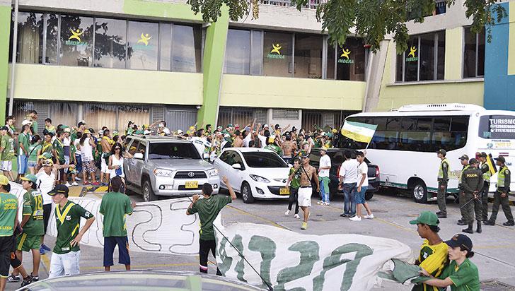 14 hinchas del Deportes Quindío, sancionados tras enfrentamientos