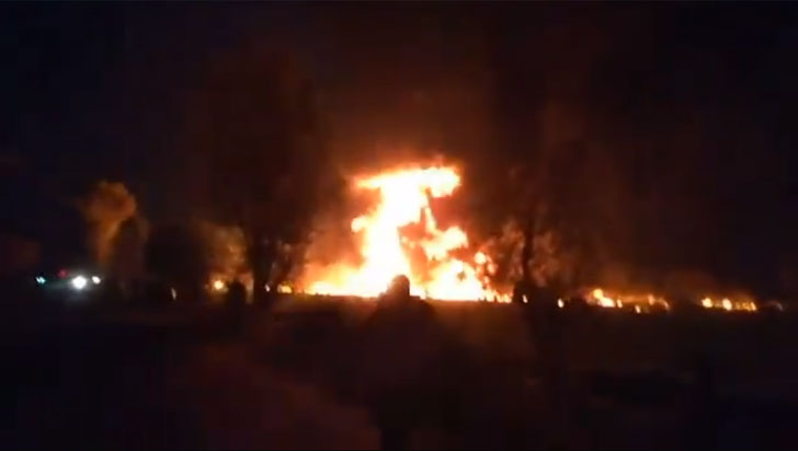 Sube cifra de muertos tras explosión de toma clandestina de gasolina en México