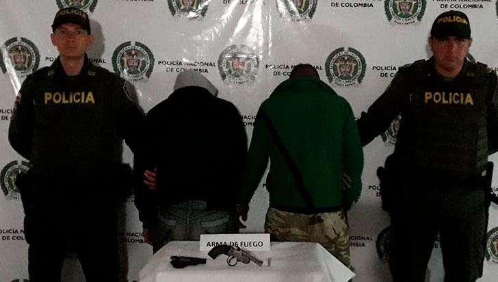 En Circasia, Policía capturó a dos hombres por porte ilegal de armas